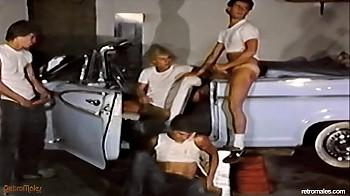 Порно винтаж в авто 12
